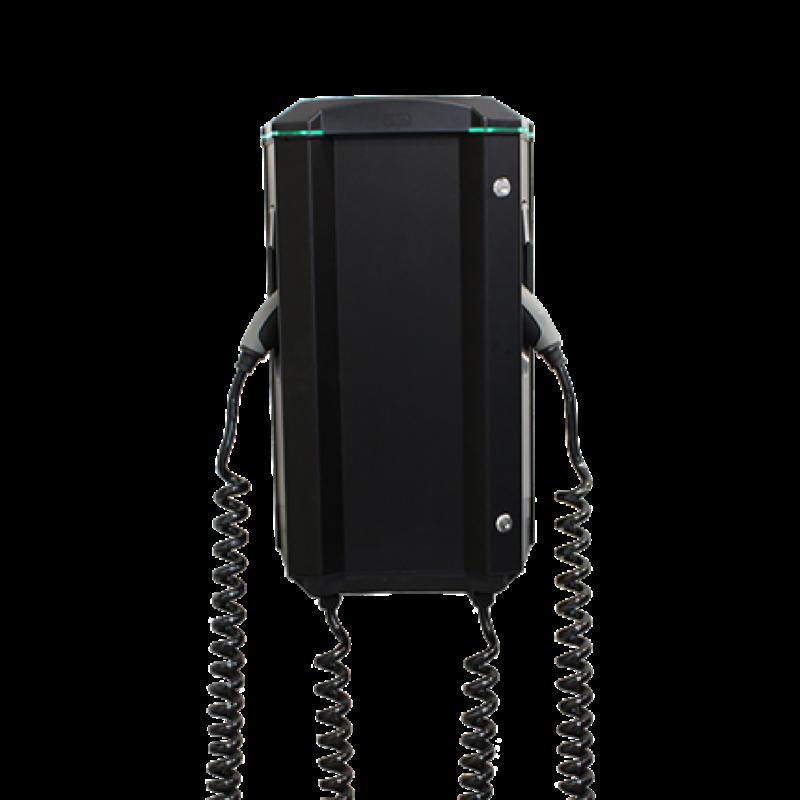 1. Garo Twin: Laddbox med dubbla uttag (på bild 2x kablar) transparent bakgrund